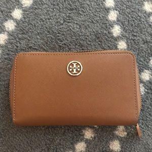 Tory Burch Mini Robinson Continental Wallet